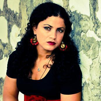 Photo of Emel Mathlouthi